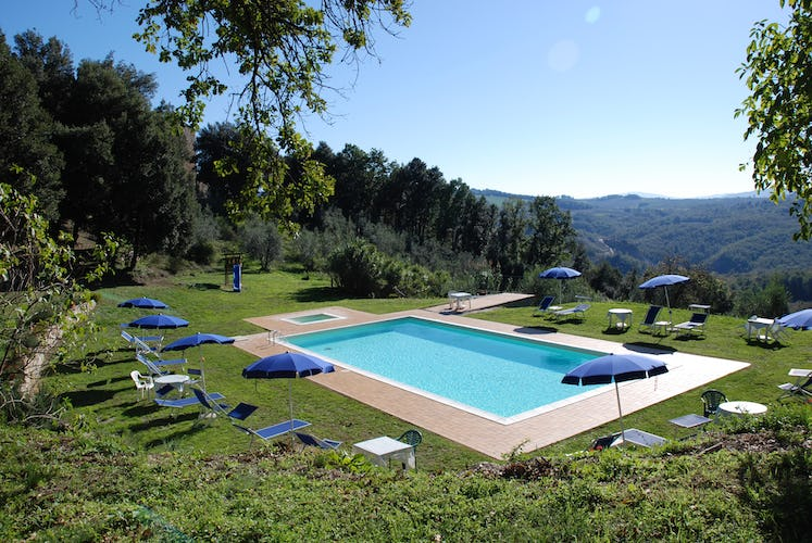 Agriturismo Escaia - Scenic Vista from Pool