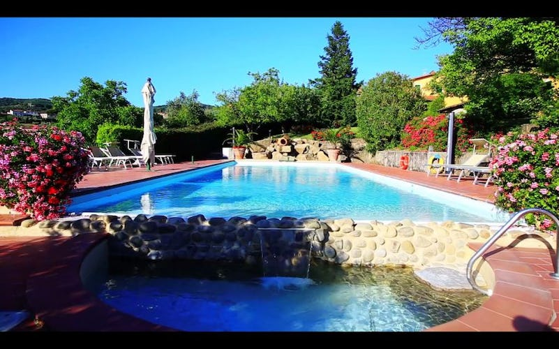 Jacuzzi pool at Agriturismo Casa Italia