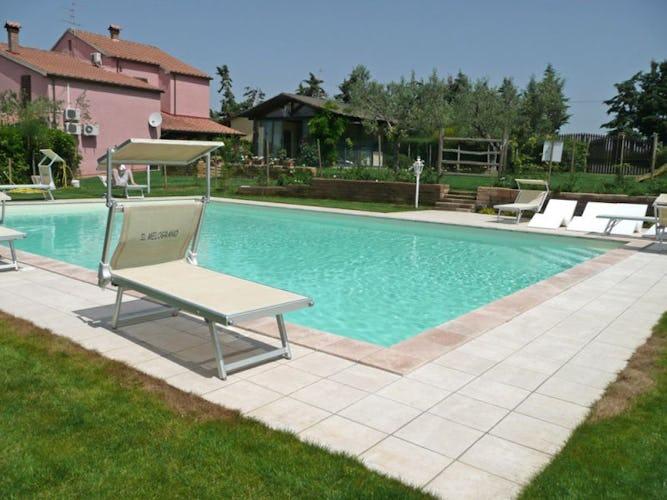 La piscina di acqua salata, senza cloro ed ecosostenibile al 100%