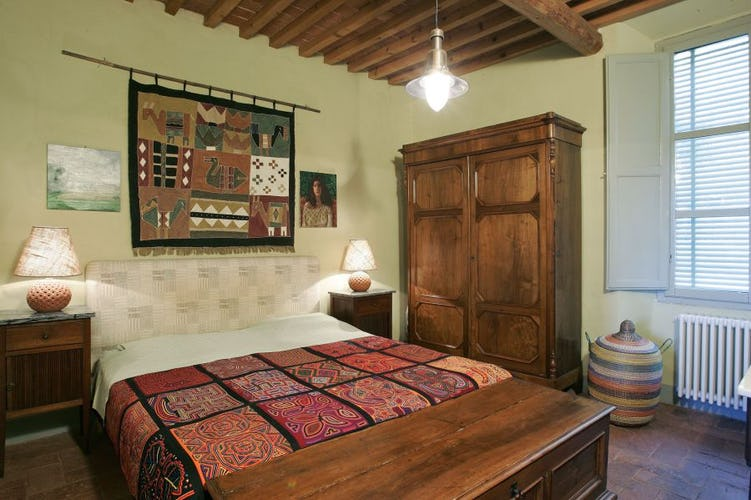 Simple Tuscan styled furnishings, Agrtirusimo Casa Rossa