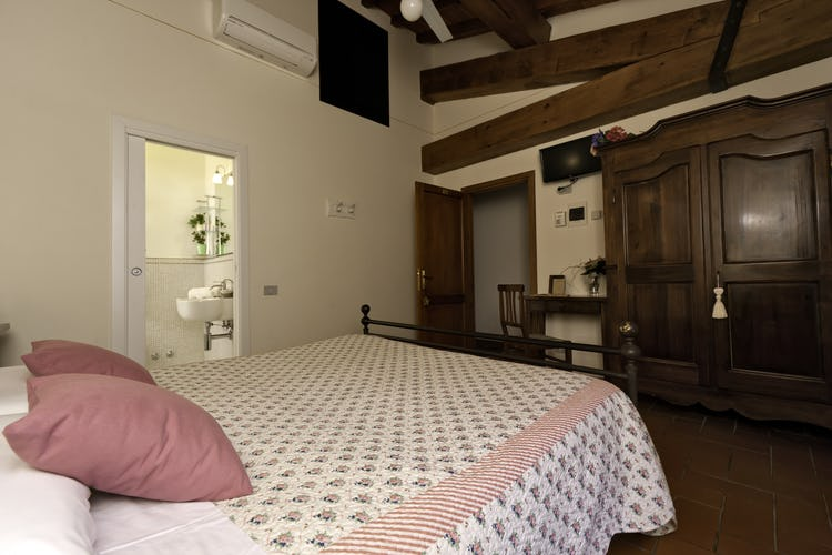 Agriturismo La Collina Delle Stelle -country charm in Tuscany accommodations