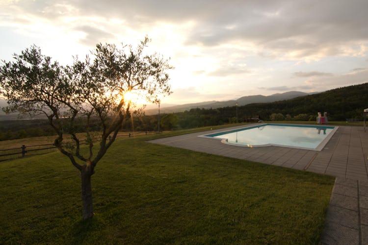 Agriturismo La Collina Delle Stelle - non perdere l'opportunità di godere di un tramonto a bordo piscina