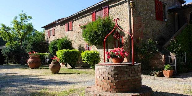 La Selva, farmhouse close to Siena immersed in a green park