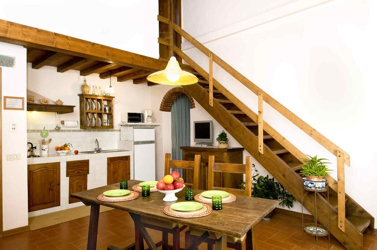 Agriturismo La Tinaia - Apartments on second floor have AC