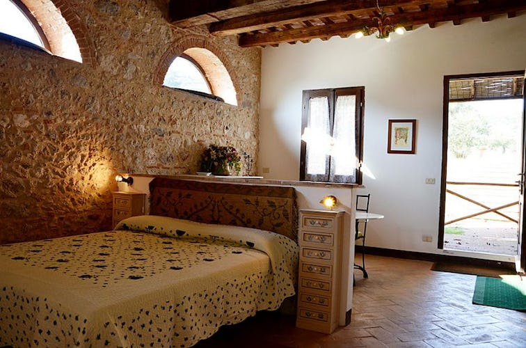 Agriturismo La Valentina with a typical Tuscan decor