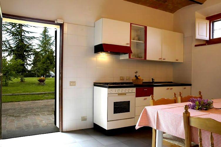 Le cucine sono dotate di ogni accessorio moderno e pentole