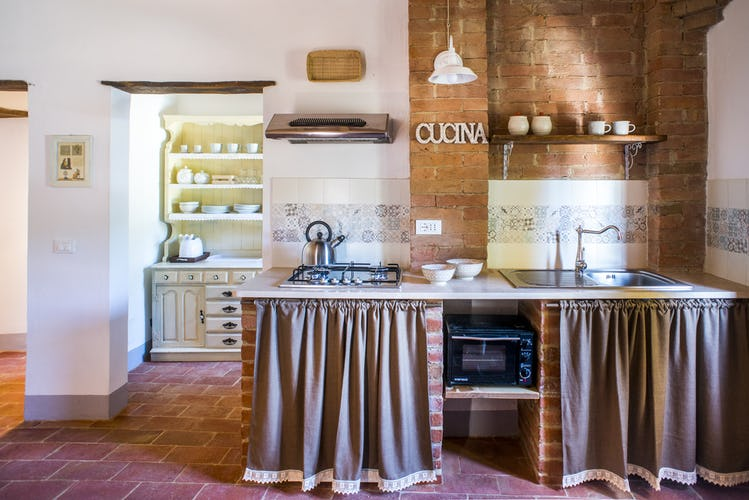 Pieve Sprenna Farmhouse Apartments