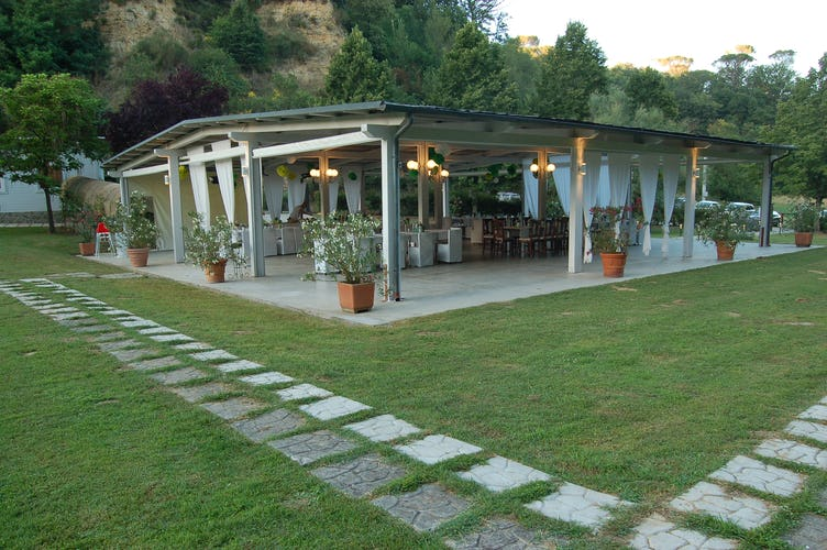 Agriturismo Valleverde: Magnificent outdoor gazebo for up to 300 persons