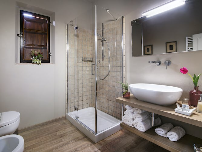 Agriturismo Valleverde: Bathrooms are modern and spacious