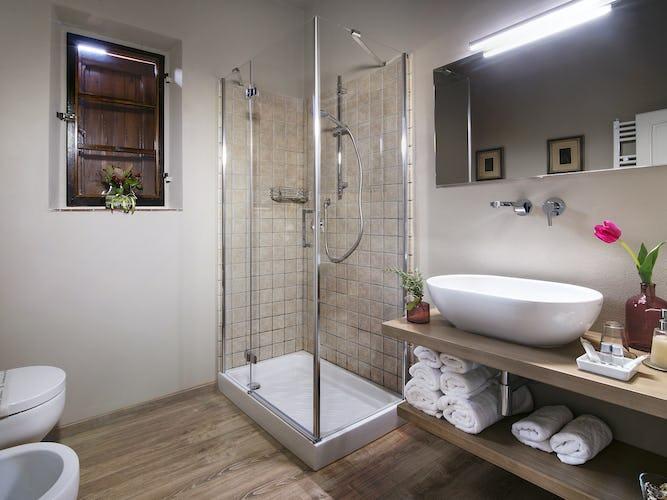 Agritursimo Valleverde: I bagni sono moderni e spaziosi