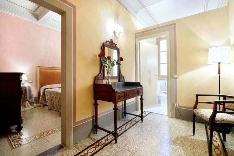 Bright Apartment For Rent Florence