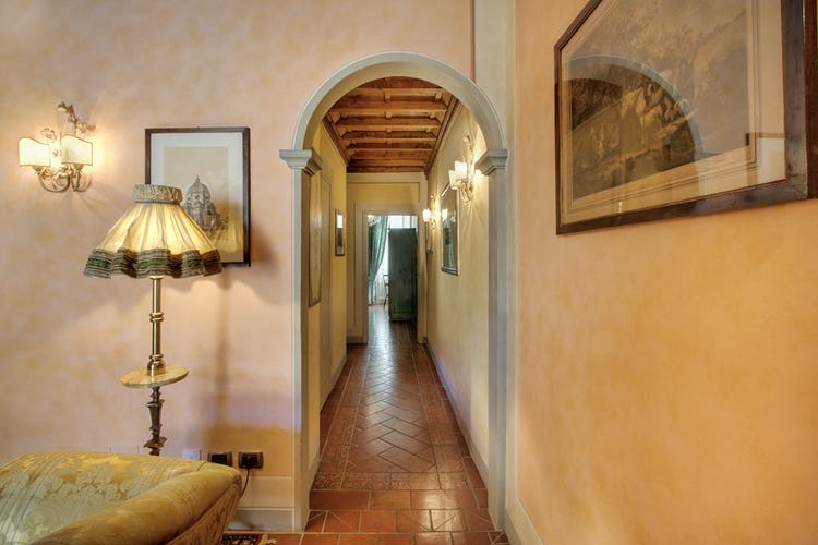 entrance-hall-apartment-florence