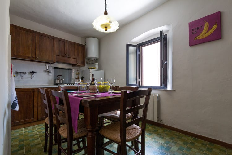 ART REBUS Tower historic rental with newly renovated eat-in kitchen