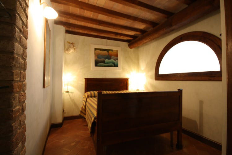 Double master bedroom in San Gimignano apartment