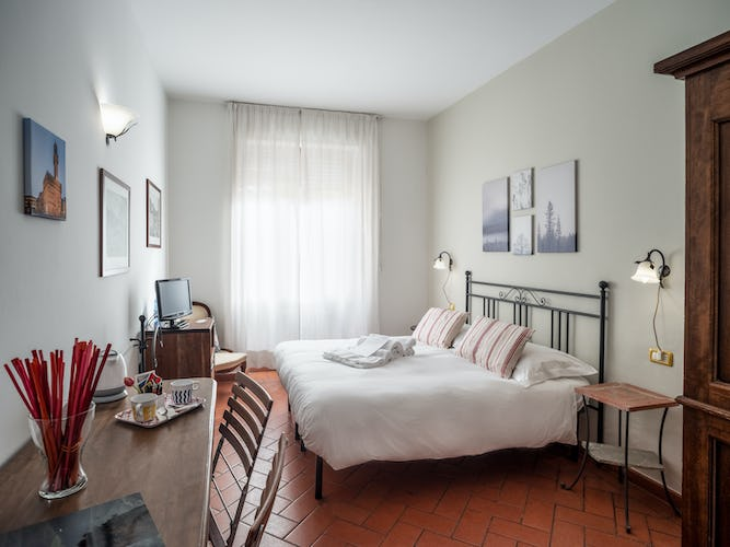 cosy-bedroom-bed-and-breakfast-florence