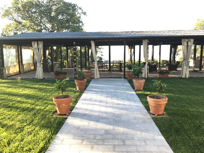 BelSentiero Estate & Country House: Panoramic terrace for parties