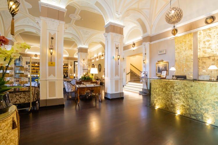Hotel Bernini Palace - Lobby Area