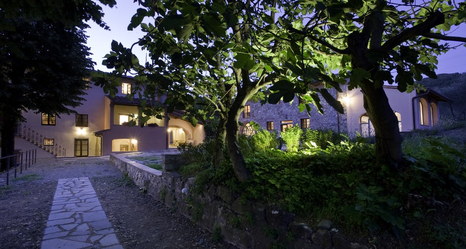 THE RELAIS COURTYARD AT NIGHT
