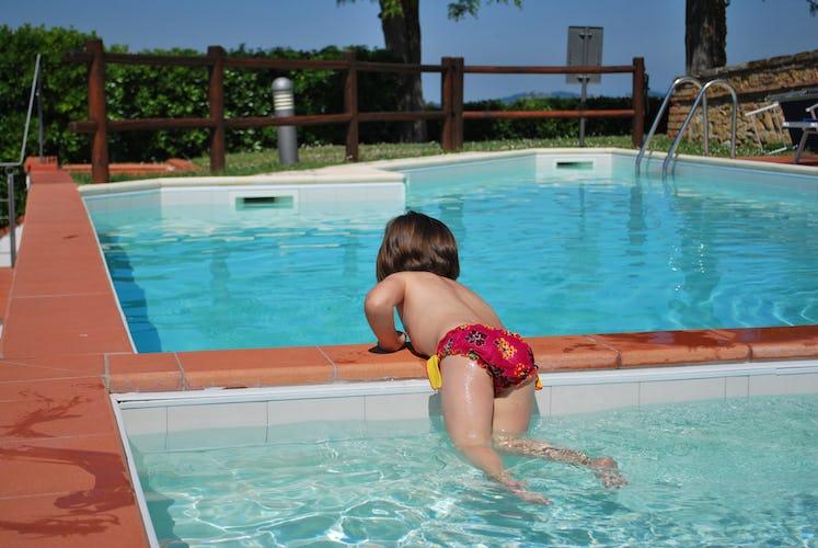 La piscina dedicata ai più piccoli è profonda al massimo 1 metro, perfetta per farli divertire senza pericoli