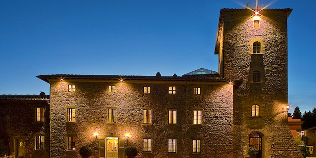 View at night of Borgo Scopeto Relais