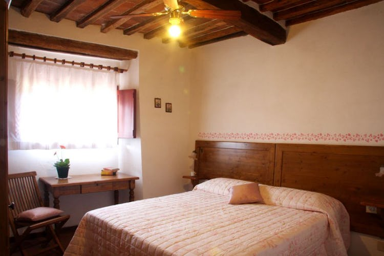 Rooms with ceiling fans for extra comfort at Borgo Sicelle