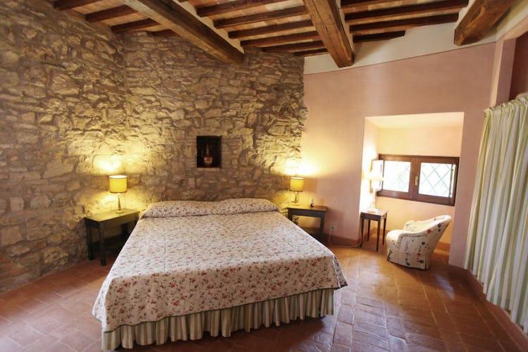 Neri romantic bedroom