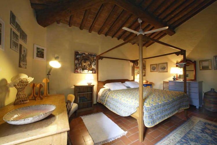 La camera Martina, con pavimenti in terracotta