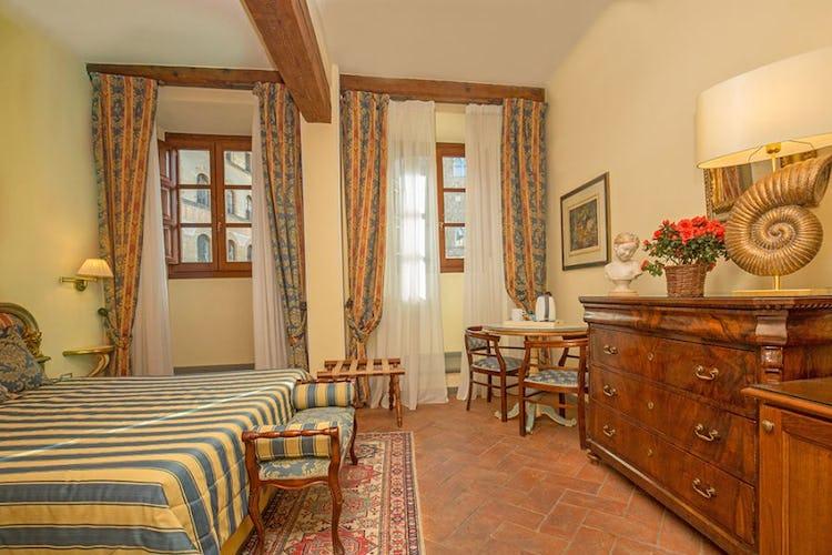 Eleonora romantic room