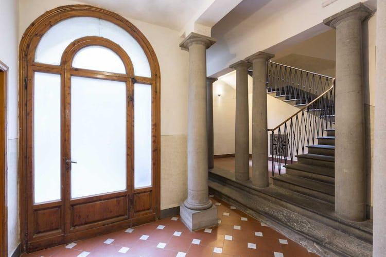 Casa Rovai B&B and Guest House - Bellissima scalinata in pietra serena all'entrata