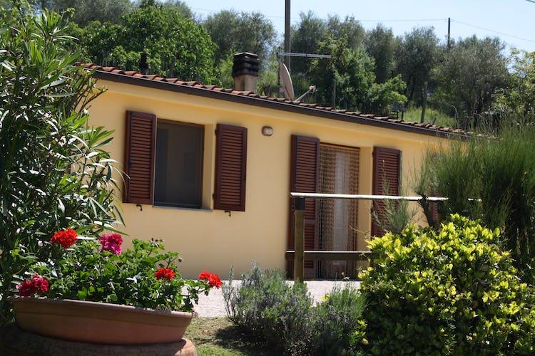 Casa Vacanze i Cipressi and holiday apartments: private entrances