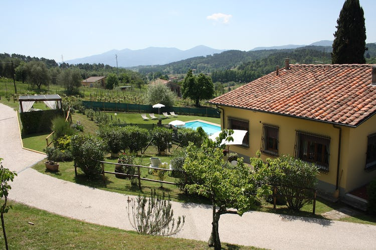 Casa Vacanze i Cipressi and holiday apartments: classical Tuscan view