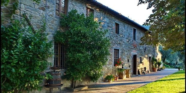 Casale Bozzo, typical Tuscan stone farmhouse