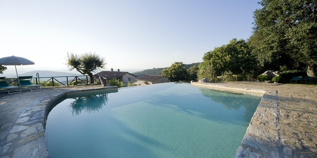 Holiday Home in Tuscany Ripostena with an Infinity Pool