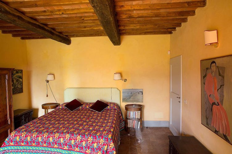 Close to restaurants and shopping at Chianti Apartments