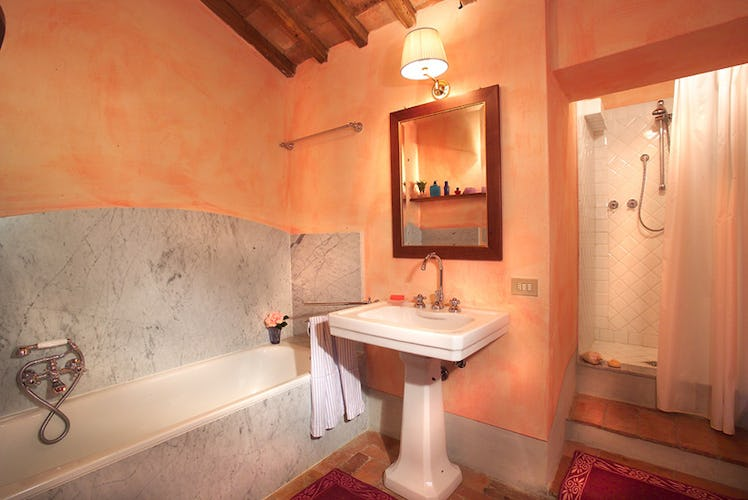 Enjoy the deluxe accommodations near Greve in Chianti apartment rental