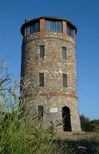 Close view of the tower: enjoy the wonderful view from the last floor