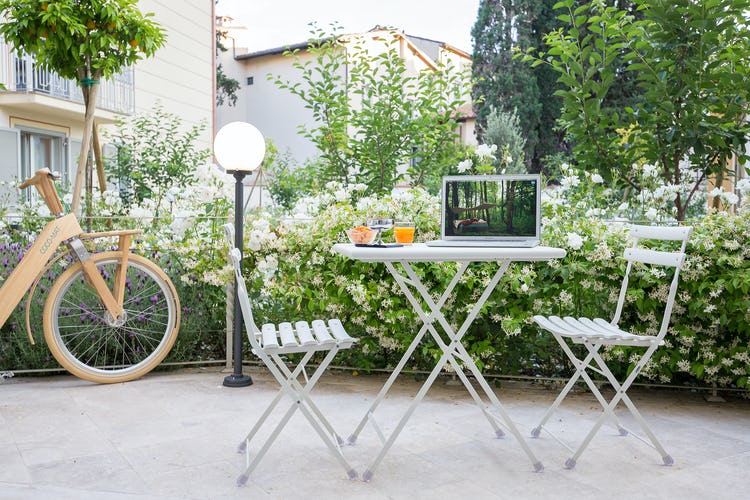 Cocoplaces Apartments: private garden patio