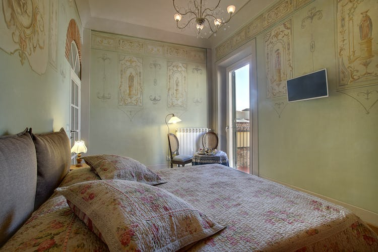 Cupido Vacation Rental Apartment in Florence, Italy: The true room with a view