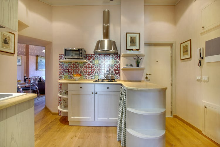 Cupido Vacation Rental Apartment in Florence, Italy: Cosy Kitchenette