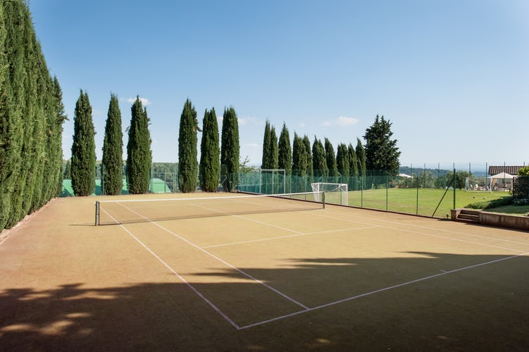 Wine Resort Fattoria Pogni near Certaldo provides lots of sports and adventure opportunities