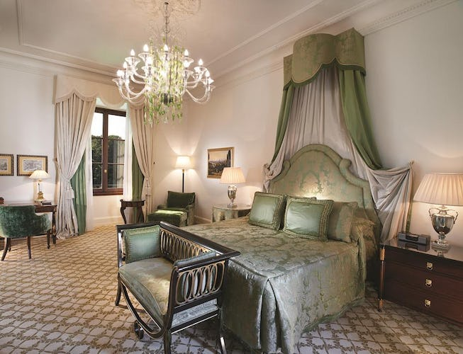 Four Seasons Hotel Firenze: Free shuttle service upon request