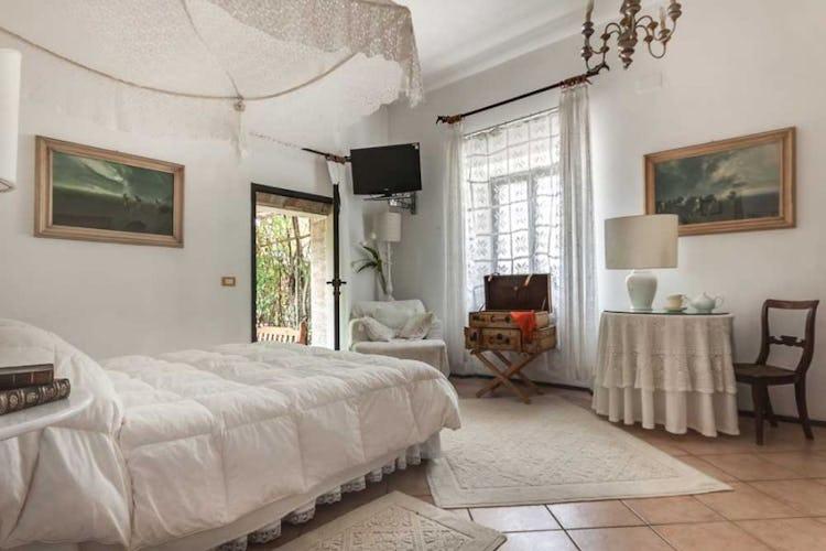 La romantica Camera Bianca, detta anche Camera degli Sposi