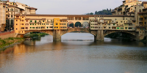 Golden Bridge Holiday Apartments in Florence for 3 & 4 persons