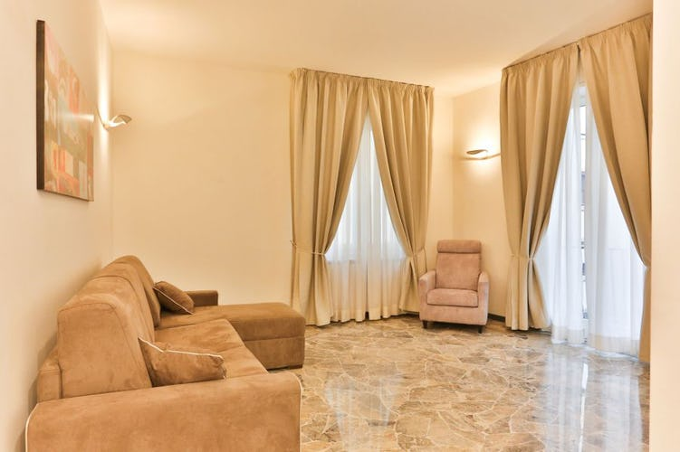 Golden Bridge in Florence, a spacious living room with terrace