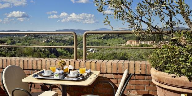 La terrazza panoramica, fiore all'occhiello dell'Hotel Athena