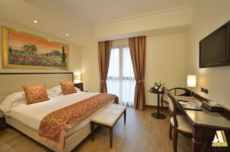Enjoy airconditioning and WiFi in al the bedrooms at Hotel Athena