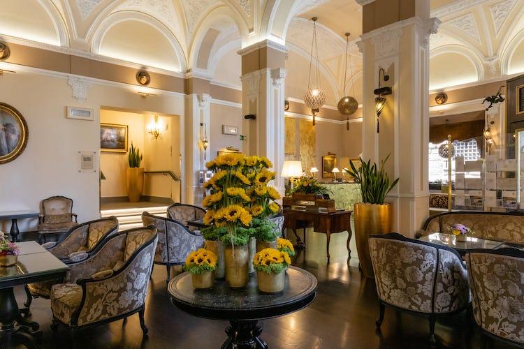 Hotel Bernini Palace - Lobby sitting area