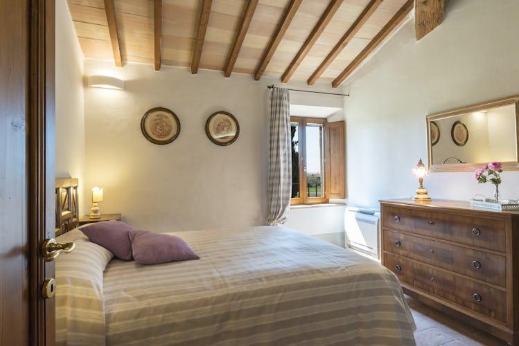 Villa I Cipressini: camera matrimoniale con vista