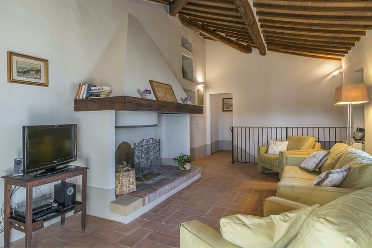 I Cipressini Villa Rental: classical Tuscan decor with terracotta floors