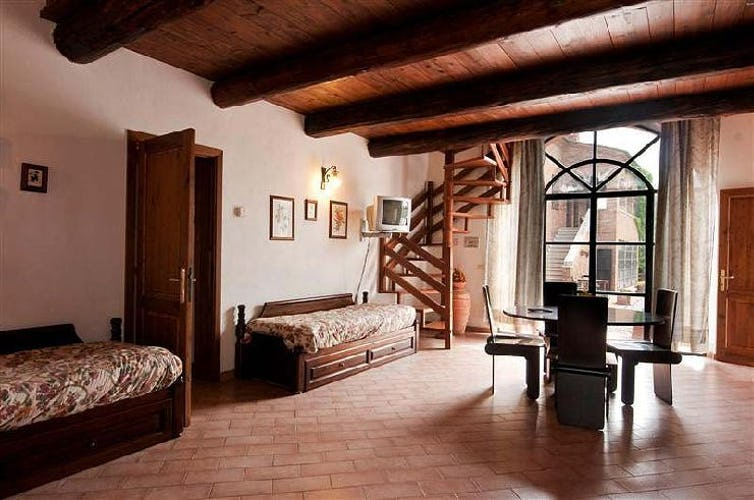 There are 13 holiday rental apartments at Il Greppo